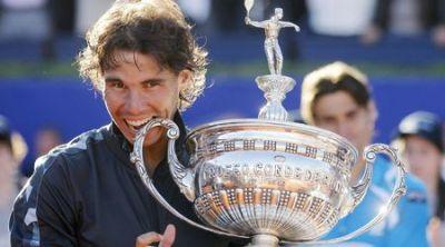 Световният номер 2 стана първият играч в Откритата ера на тениса, който успява да спечели по седем титли от два различни турнира