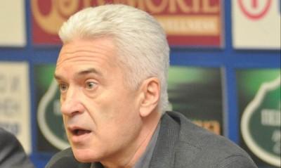 """""""Атака"""" ще поиска отмяна на """"антинародния"""" плосък данък, заяви лидерът на партията Волен Сидеров."""