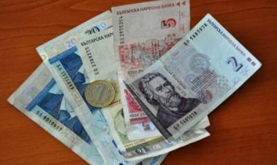 През първото тримесечие на 2012 г. средната месечна работна заплата се е увеличила спрямо четвъртото тримесечие на 2011 г. с 0,6%, като достига 731 лева