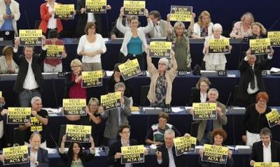 Европейският парламент отхвърли споразумението за защита на интелектуалната собственост АСТА
