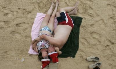 Учени откриха защо мъжете заспиват след секс – техният мозък е устроен така, че да изключва след края на половия акт