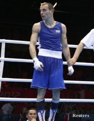Капитанът на националния ни отбор по бокс Детелин Далаклиев пристигна в България днес, след като отпадна на четвъртфиналите на олимпийския боксов турнир в Лондон.