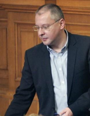 """Станишев: Коалиция БСП-ГЕРБ означава """"да спасяваме с ГЕРБ страната от ГЕРБ"""""""