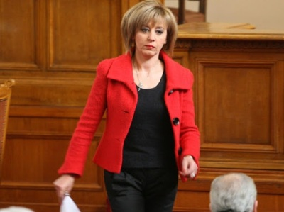 """Мая Манолова: Данък """"лихви"""" отива на съд"""