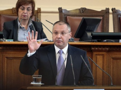 """Станишев: """"Има едно хубаво нещо на Бюджет 2013 г. и то е, че това е последният бюджет на Бойко Борисов."""""""