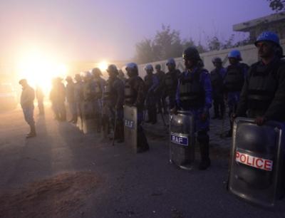 Кремираха групово изнасилената индийка при засилени мерки за сигурност