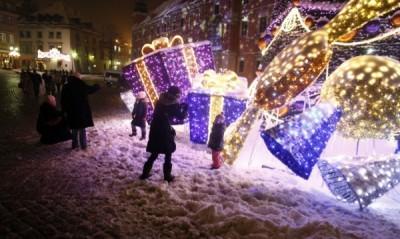 По Коледа и Нова година едни празнуват, а други точно тогава работят най-усилено