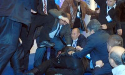 В истинската демокрация не може да има такава уродлива проява, като опит за покушение над лидера на една партия, заяви зам.-председателят на ДПС Лютви Местан.
