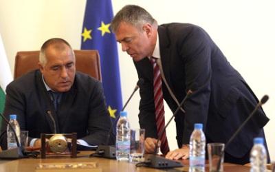 Премиерът Борисов уволни просветния министър Сергей Игнатов.