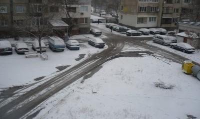 Сняг вали над страната